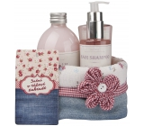 Bohemia Gifts Rosarium with rosehip and rose flower extracts shower gel 250 ml + shampoo 200 ml + bath foam 500 ml + cloth basket, Pink Dreaming cosmetic set