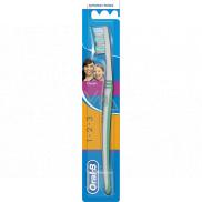 Oral-B 3 Effect Classic medium toothbrush