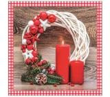 Aha Vánoční papírové ubrousky Bílý věnec, 2 červené svíčky a ozdoby 3 vrstvé 33 x 33 cm 20 kusů