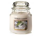 Yankee Candle Sea Salt & Sage vonná svíčka Classic střední sklo 411 g