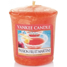 Yankee Candle Passion Fruit Martini - Tropical cocktail with Martini votive candle 49 g