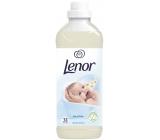 Lenor Sensitive Gentle Touch aviváž 31 dávek 930 ml